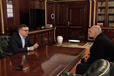 Алексей Текслер встретился с главным врачом «Коммунарки» Денисом Проценко