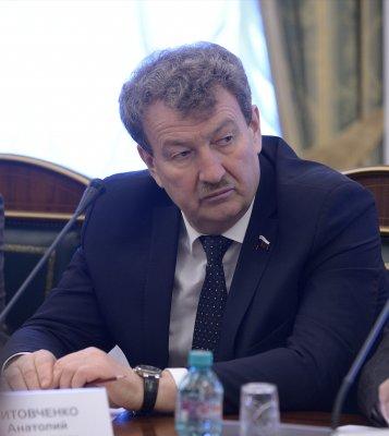 Анатолий Литовченко отметил важную роль муниципалитетов в развитии массового спорта