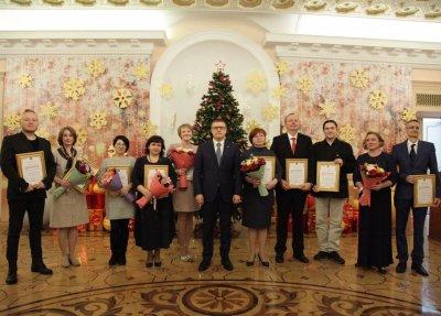 Алексей Текслер вручил премии в сфере культуры и искусства