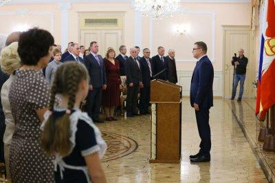 Жителям Челябинской области вручили государственные награды