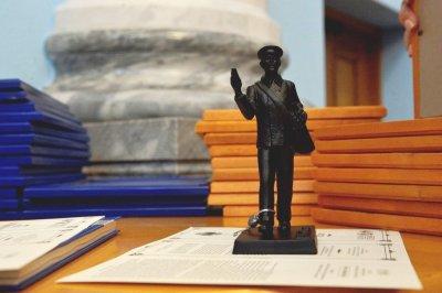 Первый заместитель губернатора Челябинской области Виктор Мамин вручил награды лучшим почтовикам Южного Урала