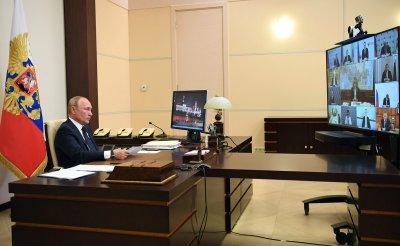 Президент России Владимир Путин выступил с обращением к россиянам по поводу борьбы с коронавирусом