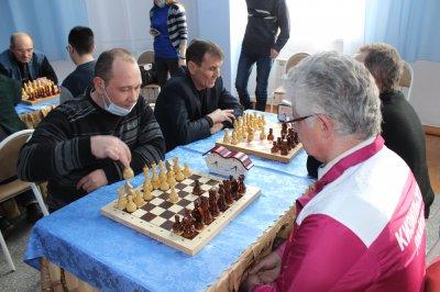 «Уральская метелица». В «Восходе» прошли соревнования по шахматам и шашкам!