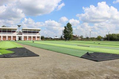 Увельский стадион обновляется