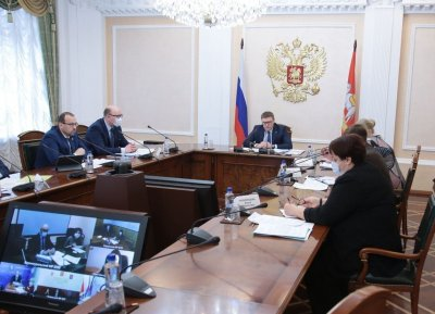 Губернатор  Алексей Текслер провел личный прием граждан по видеосвязи