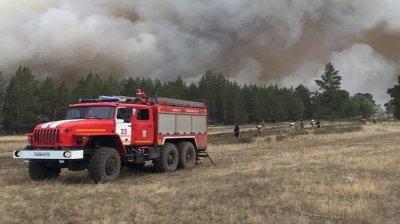 По данным ГУ МЧС по Челябинской области, на тушение возгораний привлечено  более 300 человек и 70 единиц техники