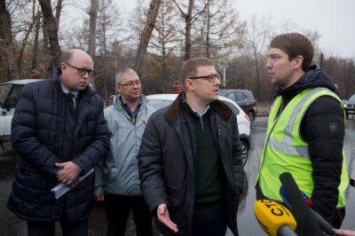 Алексей Текслер за рулем автомобиля проинспектировал южноуральские дороги