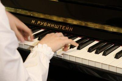 Челябинская область продолжит оснащение детских школ искусств всем необходимым