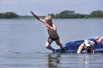 Алексей Текслер: Запретить людям отдыхать на водоемах невозможно, нужно создать им безопасные условия