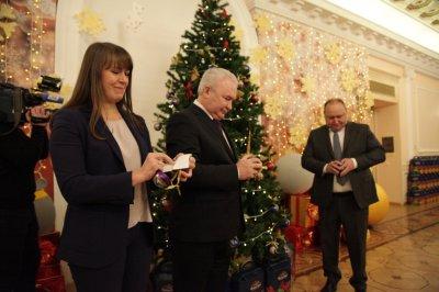 Алексей Текслер запустил акцию «Елка желаний»