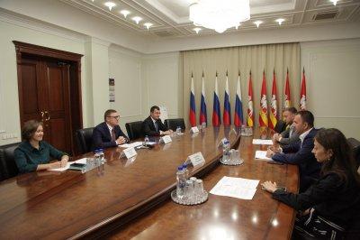 Правительство Челябинской области и Российский союз молодежи подписали соглашение о сотрудничестве
