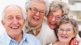 Уважаемые Симчане! Примите сердечные поздравления с Международным днем пожилых людей!