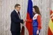 Алексей Текслер вручил награды за победы в конкурсах патриотической направленности детям и их педагогам